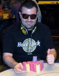 """Angelo Vietti, alias av88, vincitore del torneo """"Chi scoppierà Romina?"""" su People's Poker"""