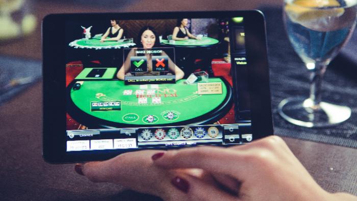 People's Casino: il Casino Hold'em anche in versione LIVE!