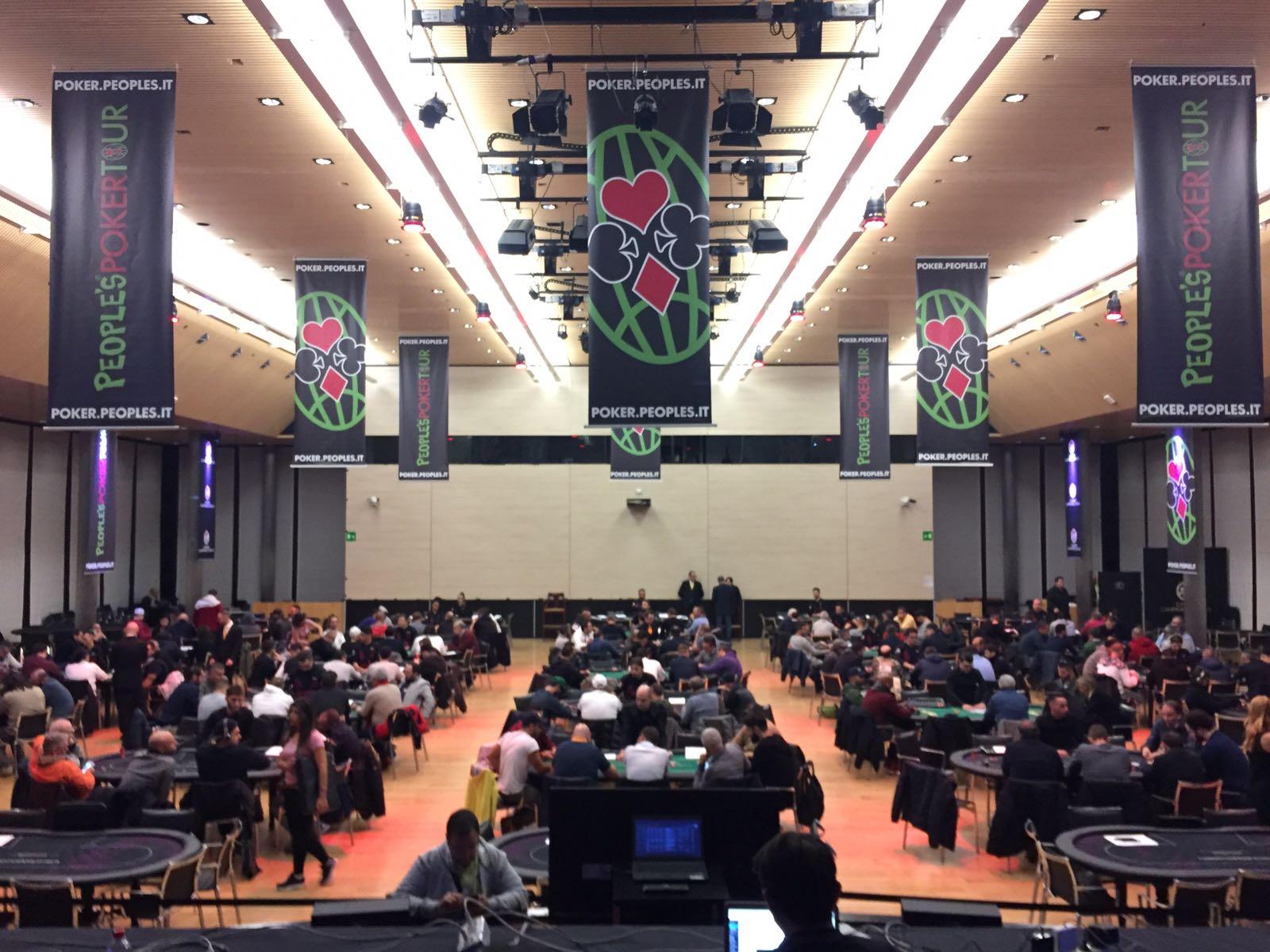 Il People's Poker Tour è partito! Interazione con la diretta grazie all'hashtag #PPTourXXX
