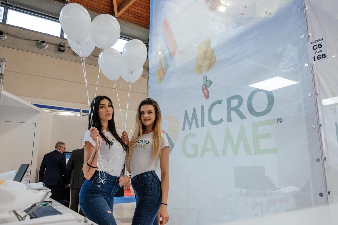 Enada, festa allo stand Microgame: business futuri e partner fidati